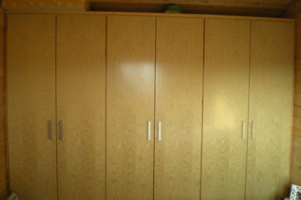 Armario de 3 puertas dobles