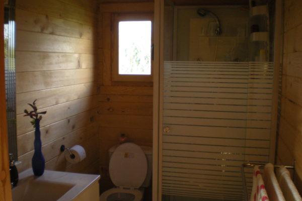 Baño con cabina ducha